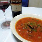 ジョージア(グルジア)ワイン、タマダ・ピロスマニ・レッドでジョージアの肉料理ハルチョーをいただく
