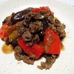 イタリア(トスカーナ)ワイン、アルパ・シラー・トスカーナIGTでナスと牛こま切れ肉のアグロドルチェやナスのトマト煮をいただく