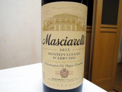 イル・カーリチェで購入したマシャレッリ-モンテプルチアーノ・アブルッツォのラベル