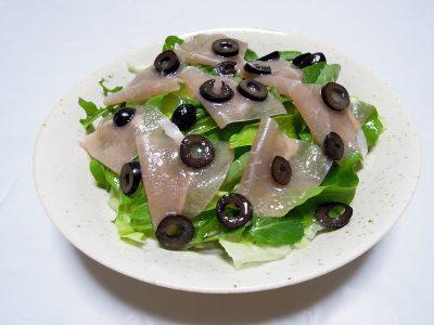 おみやげのルッコラと生ハムのサラダ