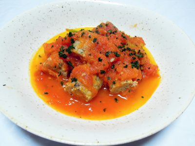 前日の手作りソーセージをミートボールのトマト煮にアレンジ