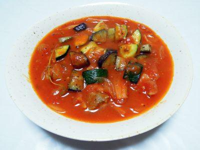 我が家のタイム・タボールを使ったラム肉とタイムのトマト煮込み