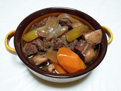 豚バラ肉の赤ワイン煮ジュニパー風味(翌日)