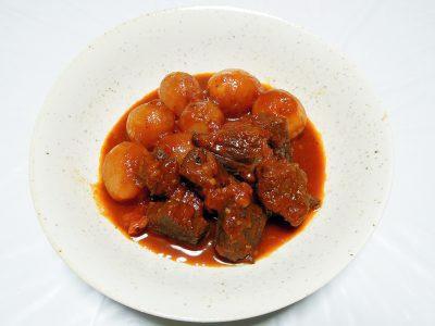 ギリシャの煮込み料理、ビーフ・スティファド