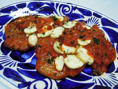イベリコ豚ロース肉のピッツァソース煮