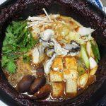 滋賀の地酒、萩乃露 特別純米 十水仕込 雨垂れ石を穿つで牡蠣の土手鍋をいただく