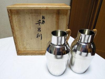石川県の骨董品店からオンラインで購入した錫半製のちろり
