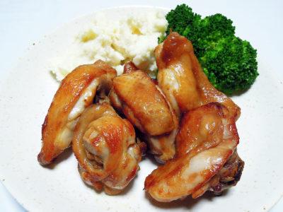 鶏の骨付きぶつ切りのカレー揚げ