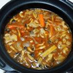 愛媛の地酒、石鎚 挑戦桶(チャレンジタンク) かすみ純米で豚肉の味噌鍋をいただく