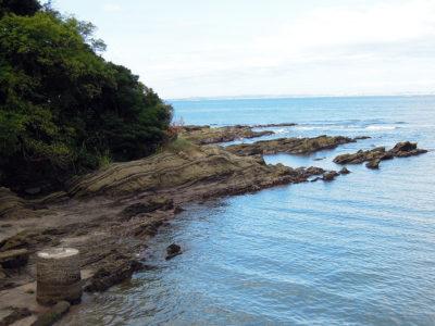 海岸線の風景を眺めながら漁師料理かなやに向かう