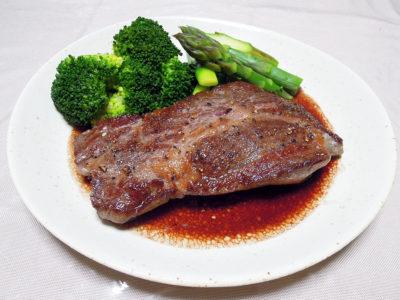 静岡県産牛肩ロースのステーキ 赤ワインソース