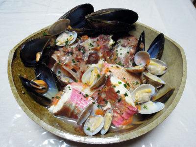 かさごとほうぼうを使った魚介のスープ