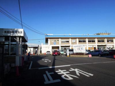 川崎駅西口から歩いて8時20分頃に市場に到着