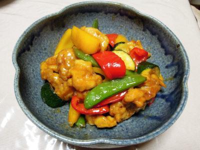 鶏肉と野菜の黒酢あんかけ