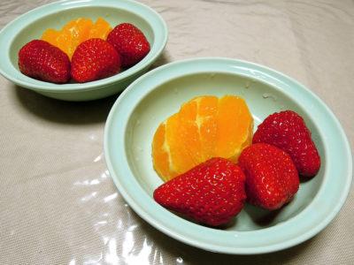 デザートのいちごとオレンジ