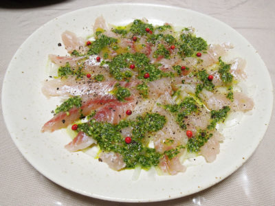 鯛のカルパッチョ ジェノベーゼソース