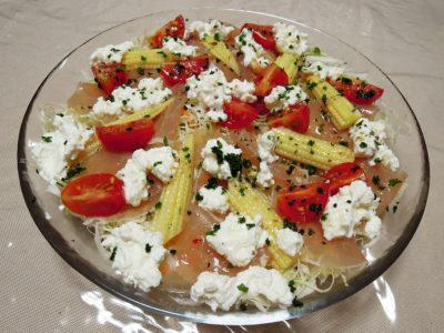 カッテージチーズを使った生ハムのサラダ