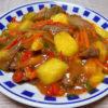 滋賀の地酒、不老泉 山廃仕込 特別純米原酒 参年熟成 H28BYの熱燗で牛肉とマンゴーの炒めもの(中華)をいただく