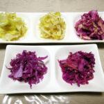 ふつうのキャベツと紫(赤)キャベツのミックスも含む5種類のザワークラウトを仕込み、発酵による変化などを観察しつついただく