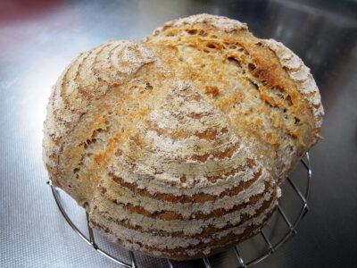 バヌトンを使って2度目に焼いたパン