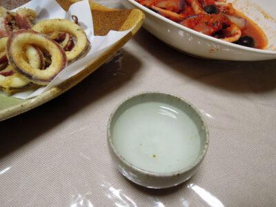 長珍の常温で、するめいかのボイル、サラダ仕立て、フリット、トマト煮をいただく