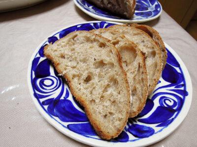 独特の風味がクセになる玄米酵母パン