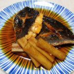 島根の地酒、十旭日 純米生原酒 五百万石70 H24BYの熱燗でたかのは鯛の塩焼き、めじなの煮つけとソテー ケイパーとレモンのソースをいただく