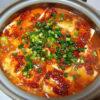 神奈川の地酒、いづみ橋 恵 海老名耕地 2018BYの熱燗で自家製キムチも使ったシンプルな豆腐チゲをいただく