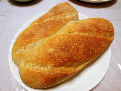 パンマットを使った成形の練習のために焼いた自家製ゆず酵母のパン