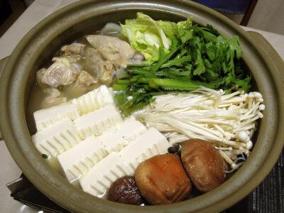 竹鶴 純米にごり酒の抜栓時にいただいた博多一番どりの水炊き