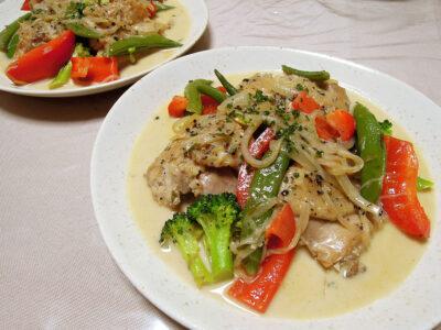 フレンチタラゴン風味の鶏もも肉のクリーム煮