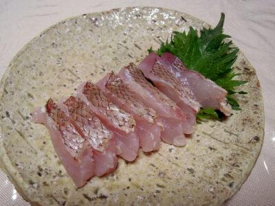鯛の炙り刺身