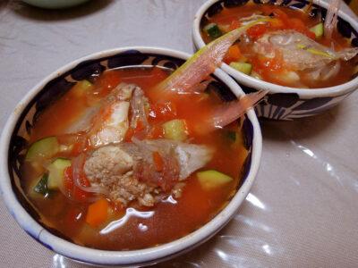 ストックしてある魚のブイヨンを使ったいとよりのあらのスープ
