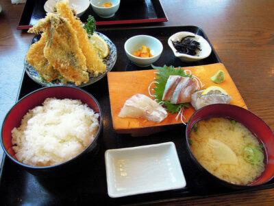 佐島かねきのフライと刺身の日替わり定食