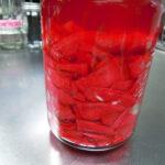 横須賀の大型農産物直売所「すかなごっそ」で見つけた赤大根をザワークラウトと同じ方法で発酵させ保存する+ザワークラウトと発酵赤大根の日持ちの比較