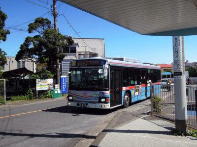 京急の逗子・葉山駅から佐島マリーナ入口ゆきバスに乗る