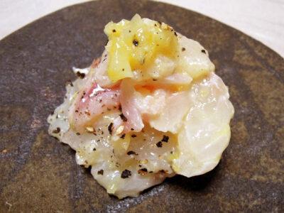 自家製塩レモンを使った鯛のカルパッチョ