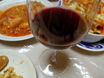 ポルトガルワイン、アート・テッラで豚ばら肉と自家製ザワークラウトのトマト煮込みやミートソースのグラタンをいただく